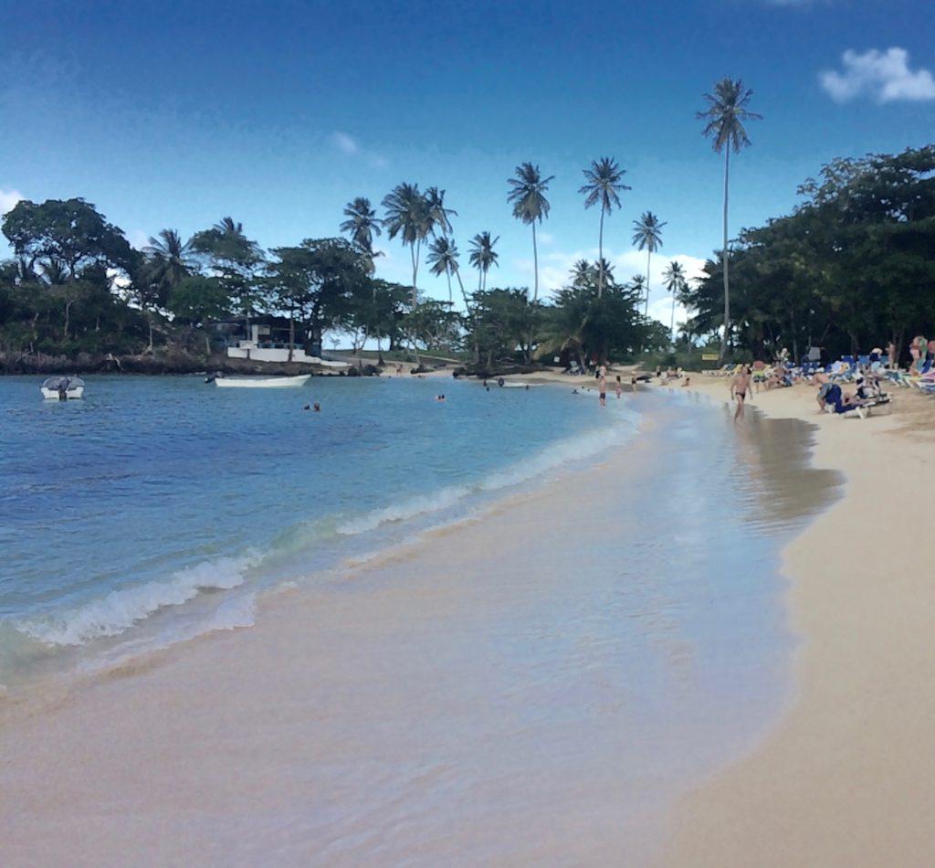 Playa Rincón to the right
