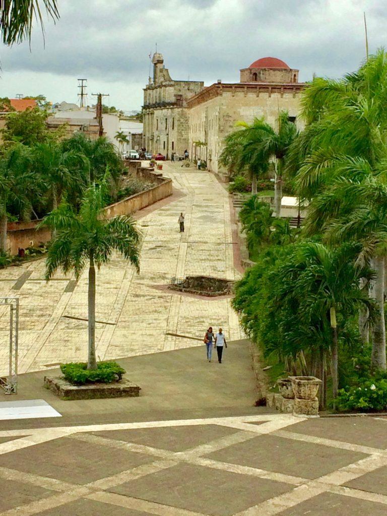 Exit across Plaza Espana beside Alcazar de Colon