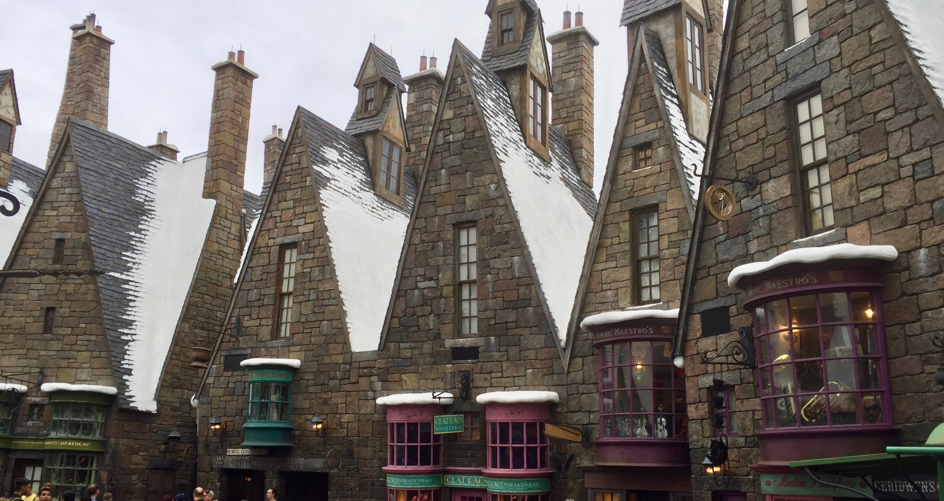 Perpetual winter at Harry Potter World