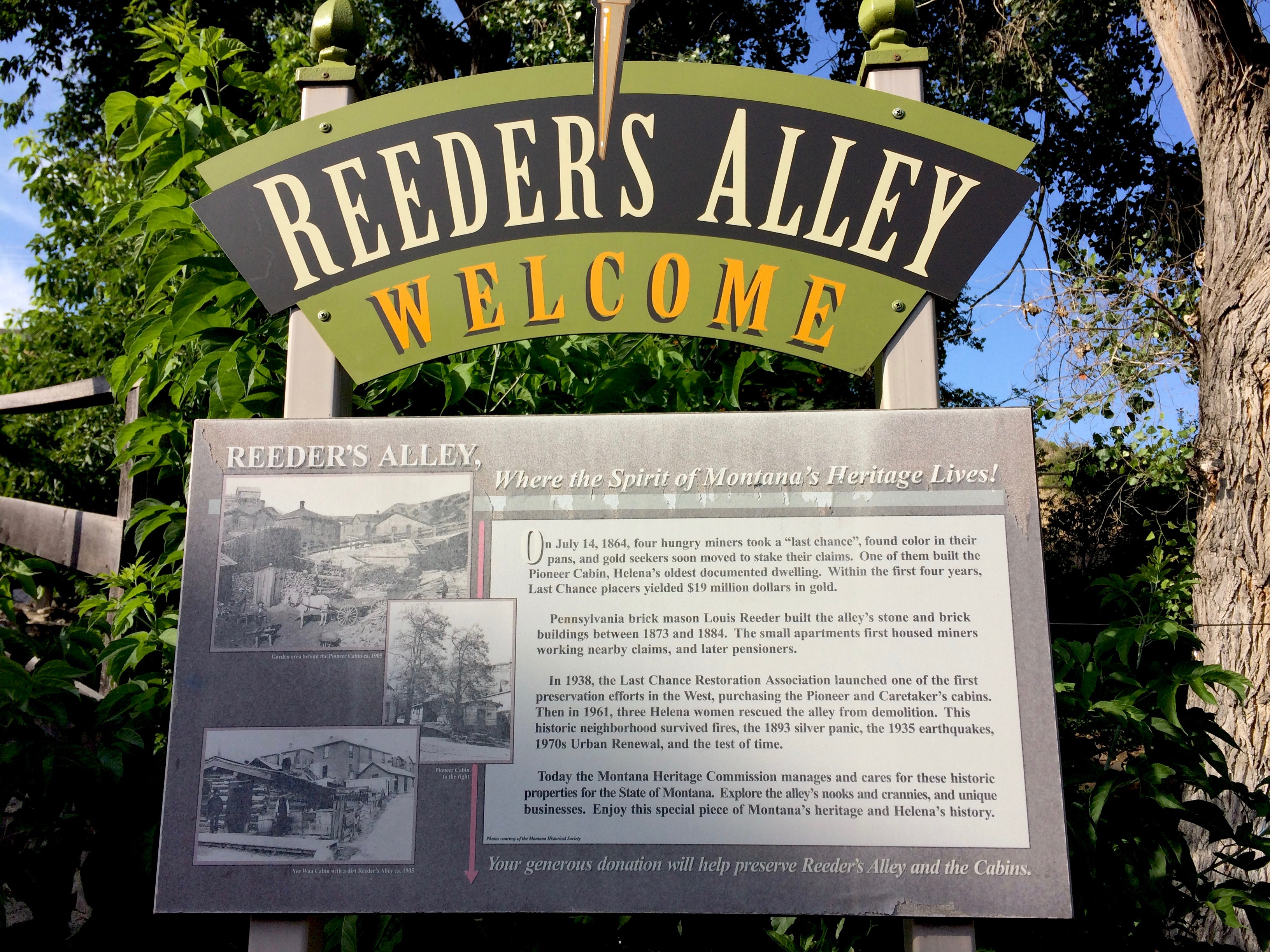 Reeders Alley signage