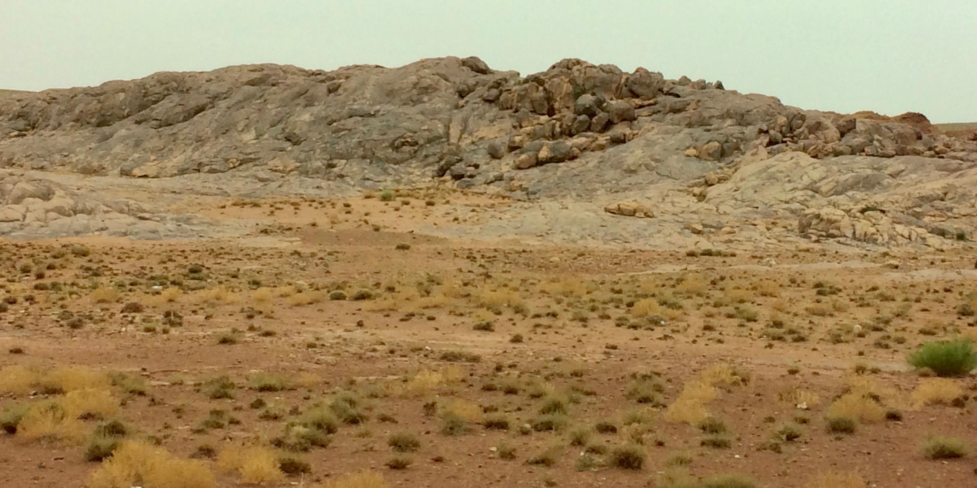 Gravel desert of Middle Atlas