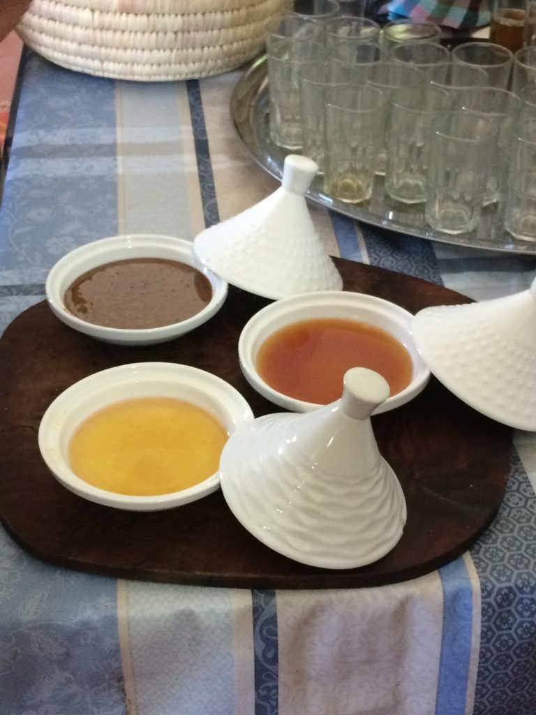Dips and dressings made with argan oil