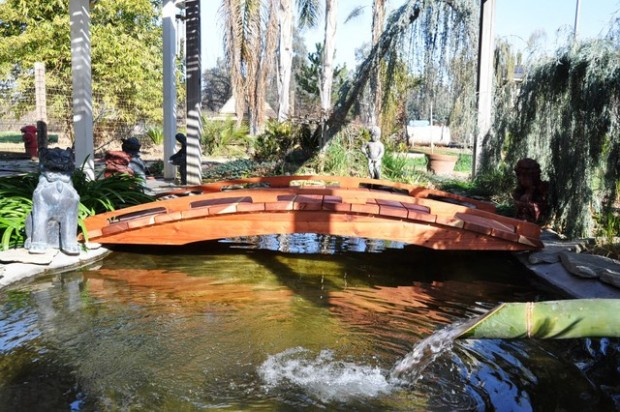 Amazing-Garden-Bridge-Design-Ideas