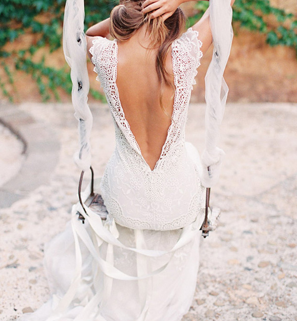 Fantastic-Rustic-Backless-Lace-Wedding-Dress