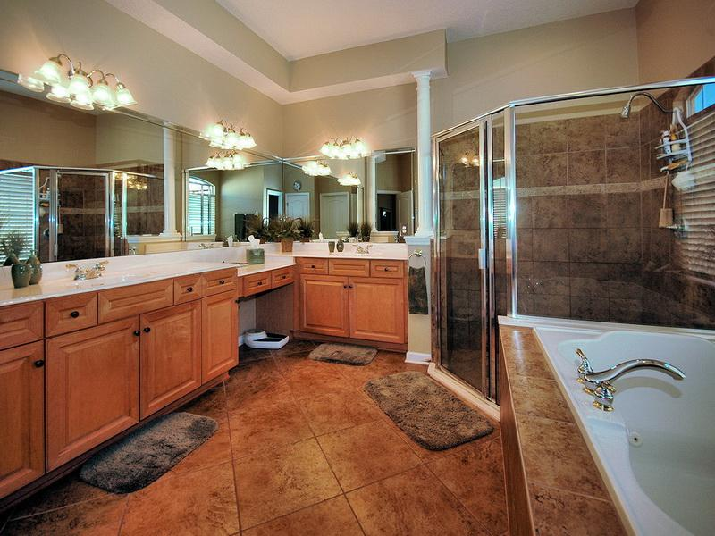 Nice-Master-Bathroom-Decorating-Ideas