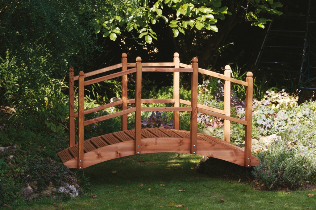 Wooden_Garden_Bridge
