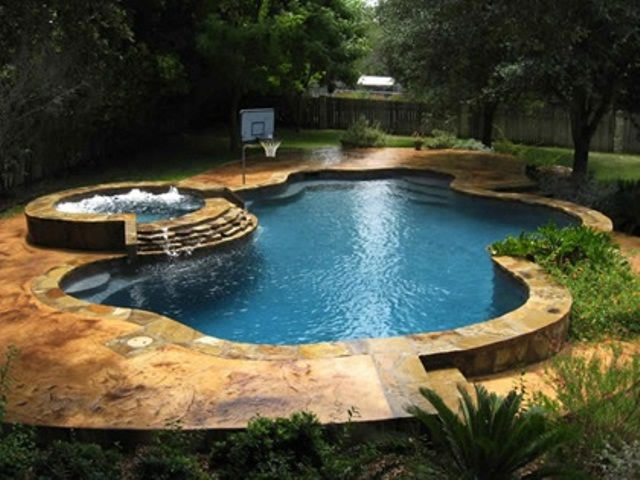 awesome-garden-hot-tub
