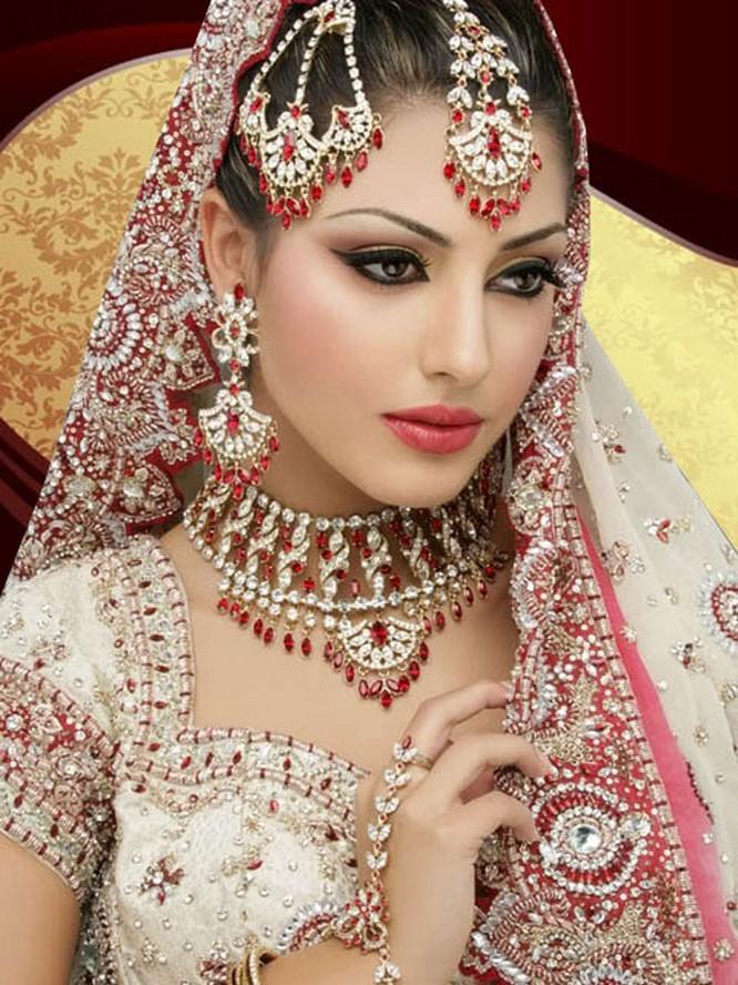 latest-2015-bridal-makeup-trend