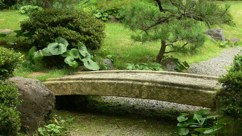 small-japanese-garden-bridge