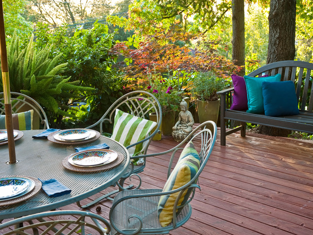 Asian-Patio-Outdoor-Dining-Table