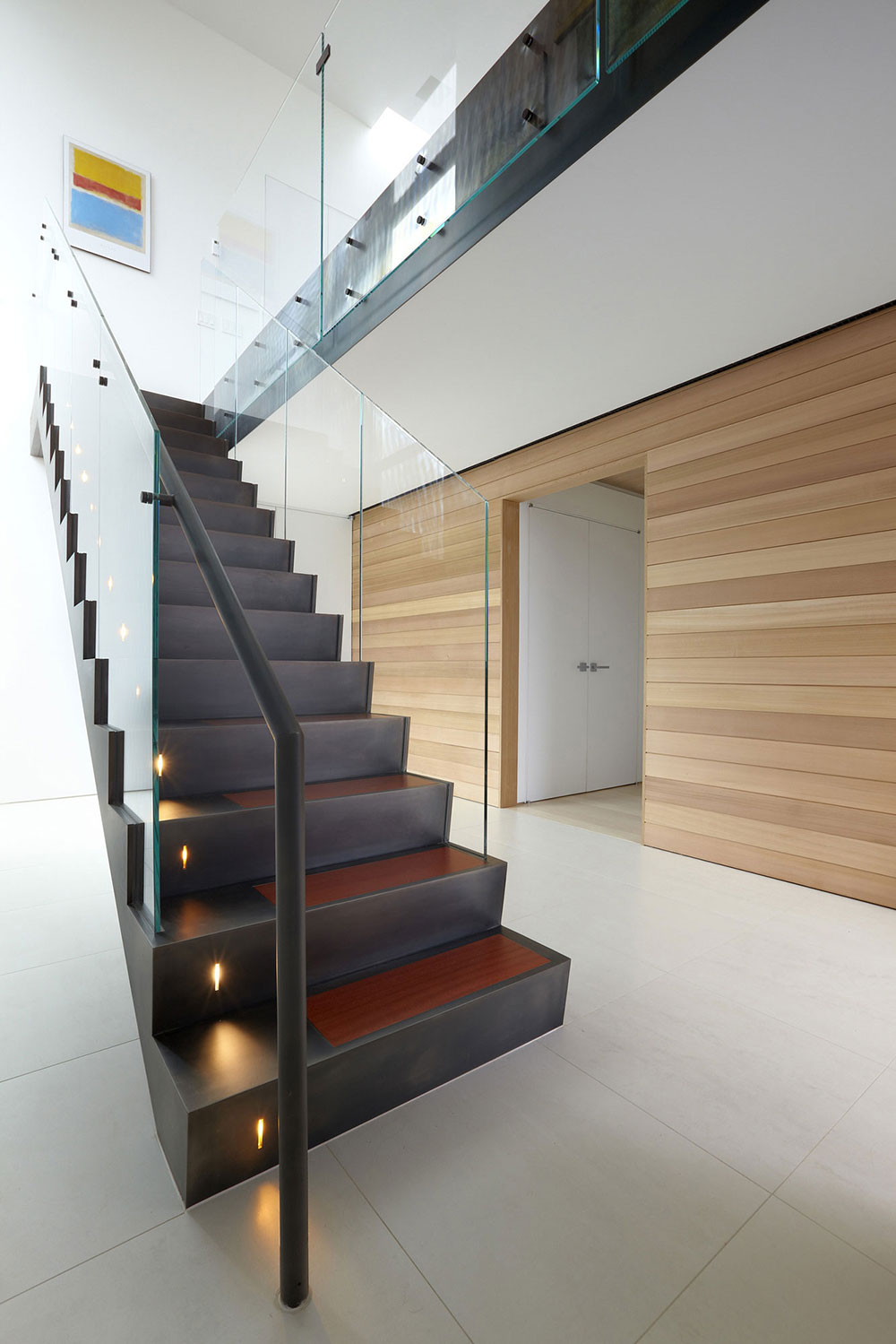 Beach-Walk-House-Modern-Glass-Stairs