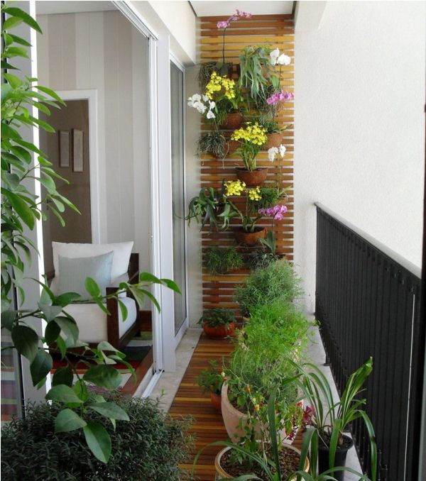 Decorating-Idea-for-small-balcony