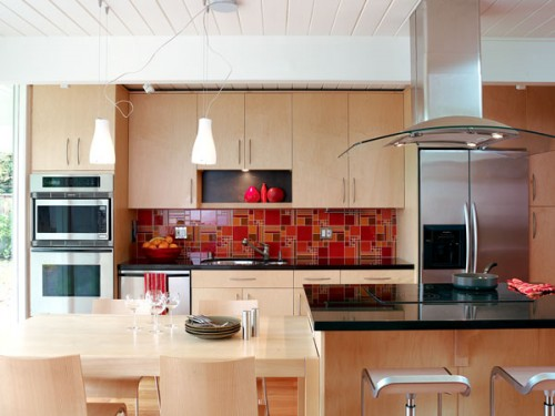 Exotic-Asian-Kitchen-with-various-models-kitchen-cabinets