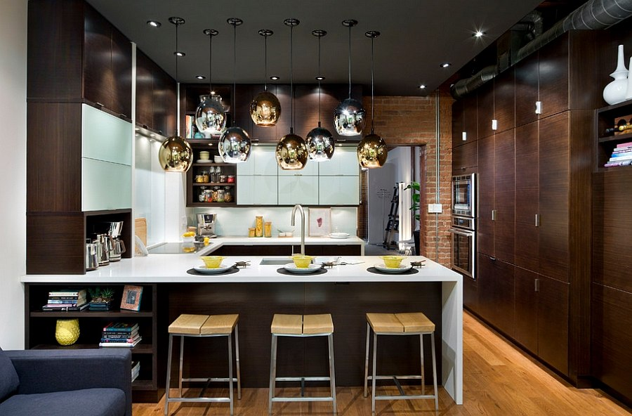 Fabulous-use-of-gold-and-silver-lighting-fixtures-in-the-kitchen