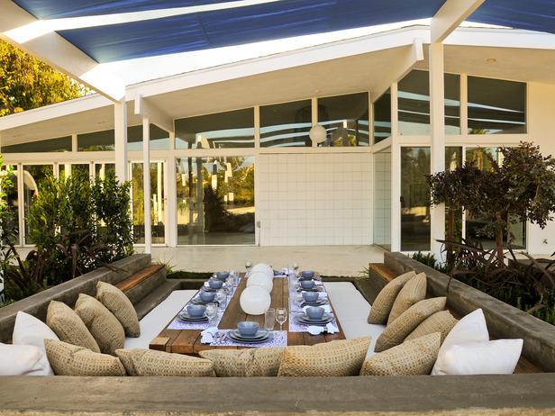 Luxury-Outdoor-Dining-Room