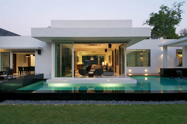 Stylish-Modern-Home-Dinesh-Mills-Bungalow
