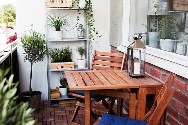 Well-designed-small-balcony