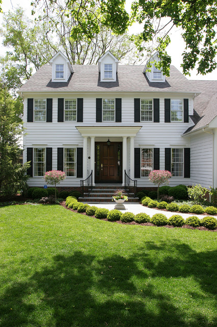 White Colonial House traditional-exterior