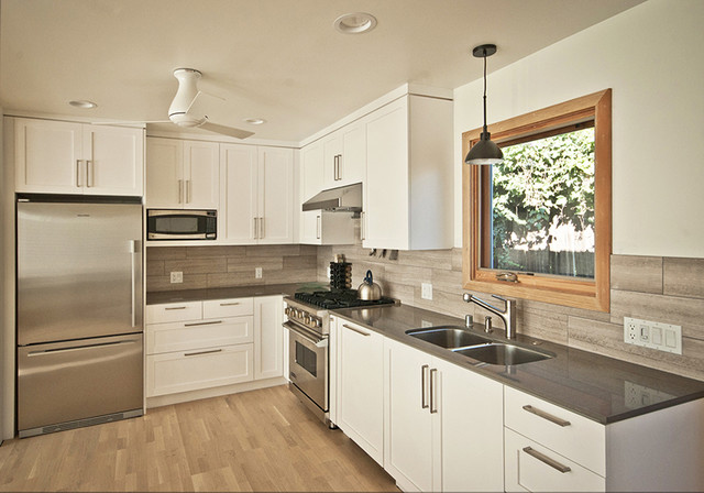 beach-style-kitchen-idea.