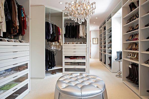 comfortable-white-modern-walk-in-closet