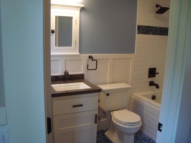 craftsman-bathroom