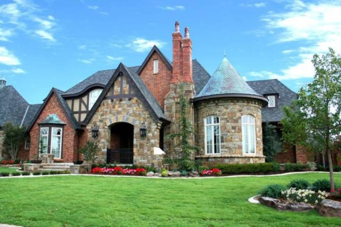 english-traditional-home-exterior-design