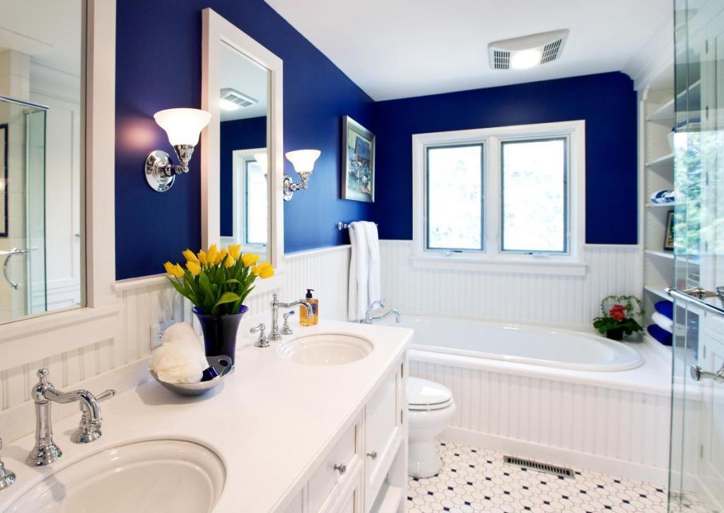 gail-drury-blue-bathtub