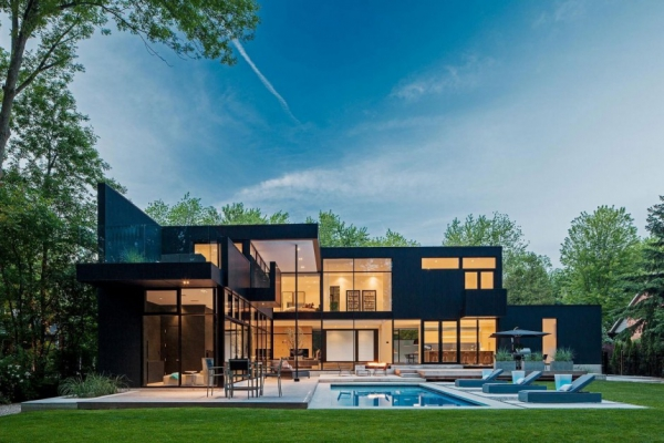 modern-glass-house-in-ontario