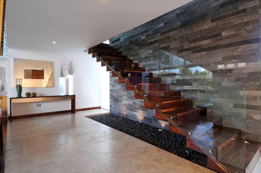 modern-wooden-stairs-with-glass