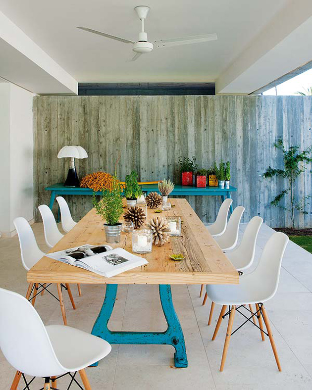 spanish-summer-home-with-contemporary-indoor-outdoor-design-thumb-