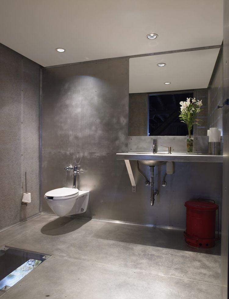 Astoria-Bathroom