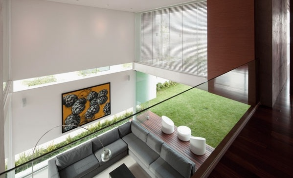 Contemporary-Living-Room-with-High-Ceiling-Design-Ideas