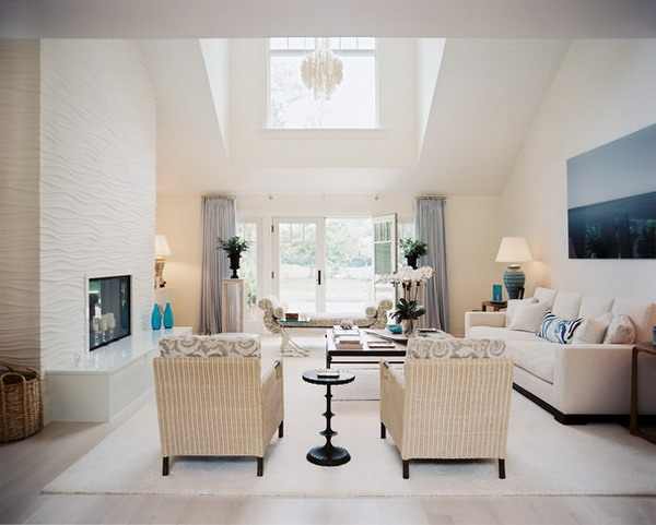 High-Ceiling-Living-Room-with-Furniture-Set
