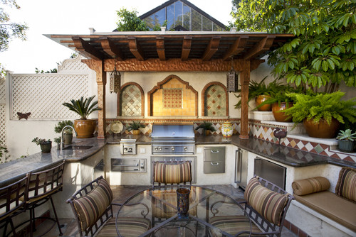 Mediterranean-Outdoor-Kitchen-Design-