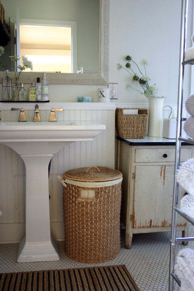 Phenomenal Pedestal Sink decorating ideas for Bathroom