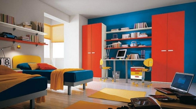 Primary-Colorful-Bedroom-also-tween-beds-and-bars-floor-657x402