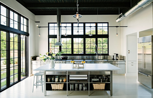 Stainless-steel-surfaces-in-an-industrial-kitchen