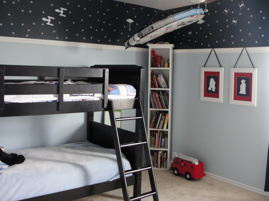 Star-Wars-bed-star-wars-bed-sheets-bedroom-ideasblack-and-white-decorating-ideas-room-decorating-ideas-Inspiring-Bedroom-Ideas-Amazing-gray-bedroom-decorating-ideas-Industrial-Style-1024x768