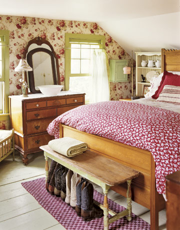 bedroom-floral-red-green