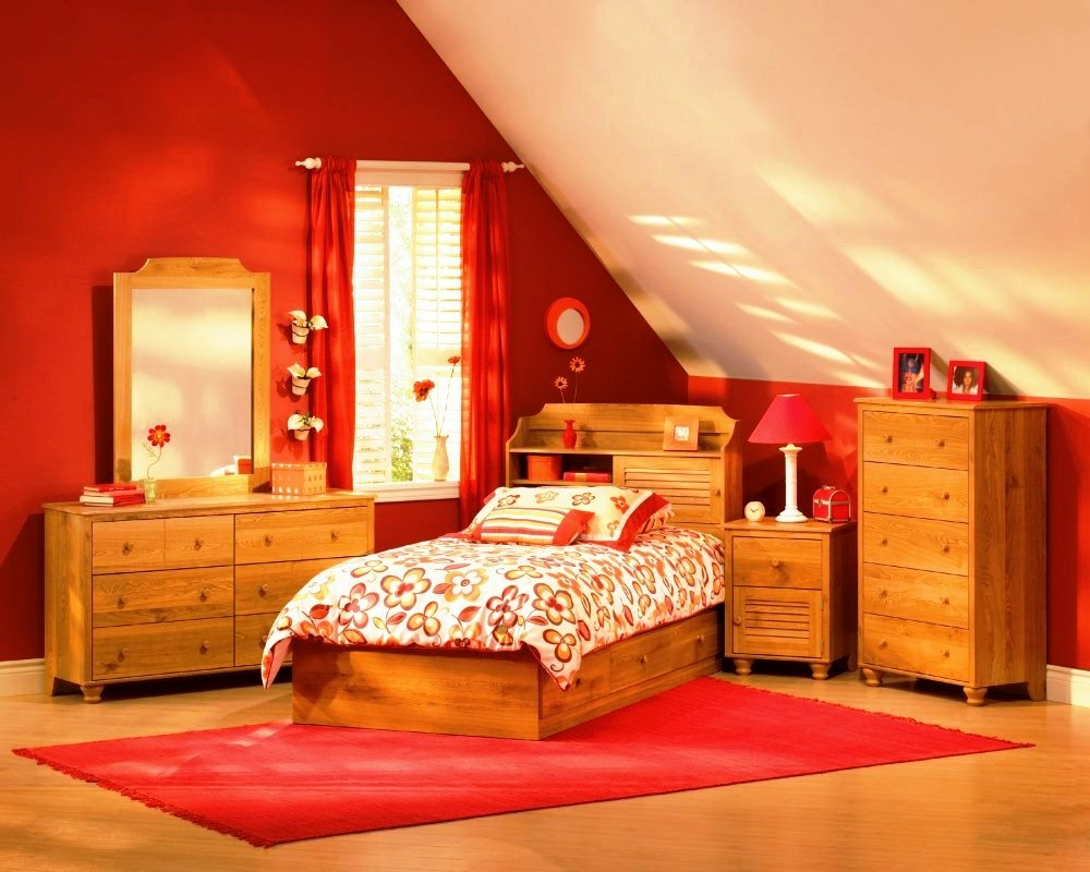 excellent-living-room-red-color-and-bright-decorating-ideas-