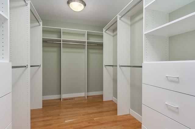 farmhouse-closet