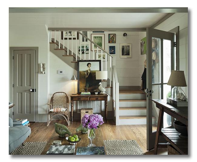 farmhouse-lovely-entryway