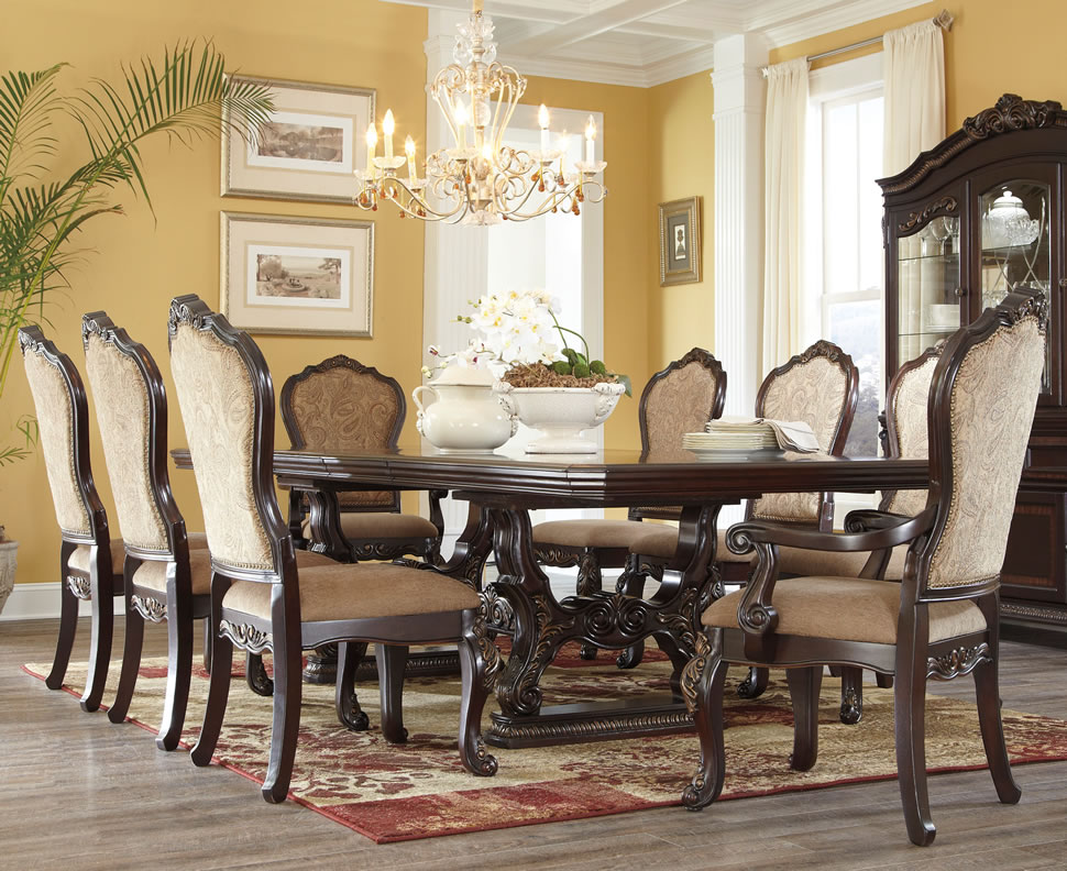 formal-traditional-dining-