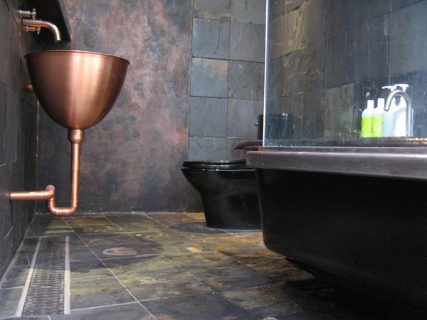 industrial-chic-bathroom-design-idea