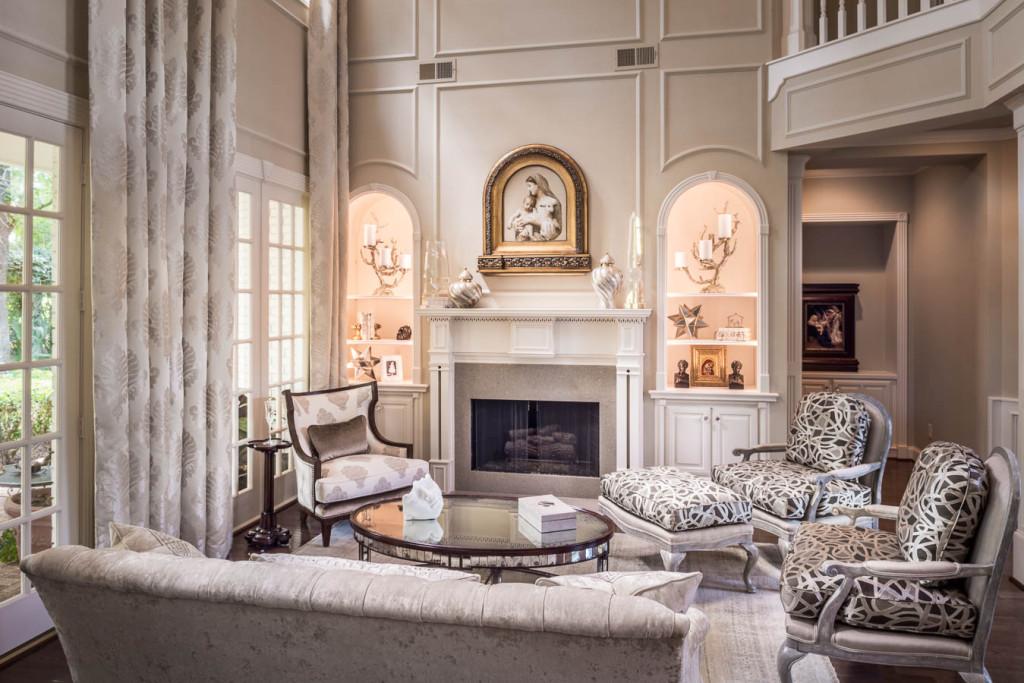 transitional-living-room-design-__