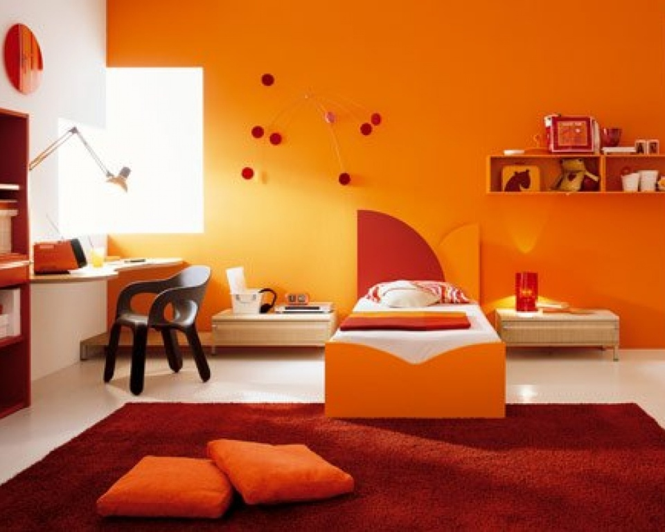 wallpaper-kids-room-decor-orange-color-scheme