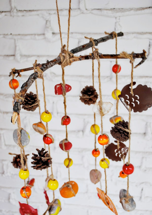 Festive-Fall-Wind-Chime-Craft-for-Kids-at-thebensonstreet.com_