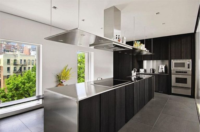 Modern-Kitchen-Design-with-Stainless-Steel-Furniture
