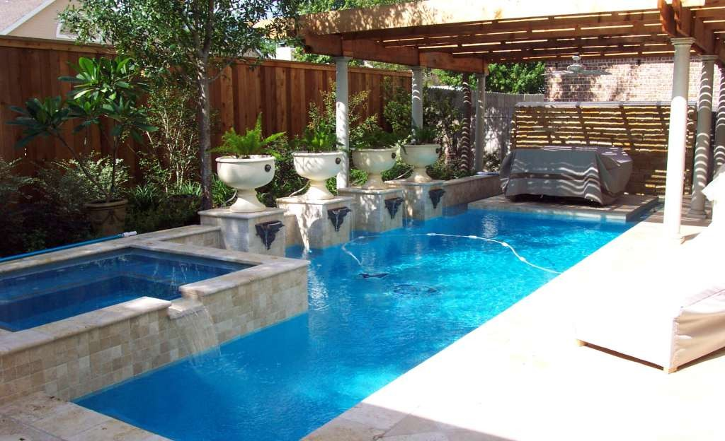 charming-small-swimming-pools-for-small-backyards-20-small-back-yard-swimming-pool-design