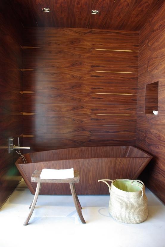 comfortable-wooden-bathroom-decoration__